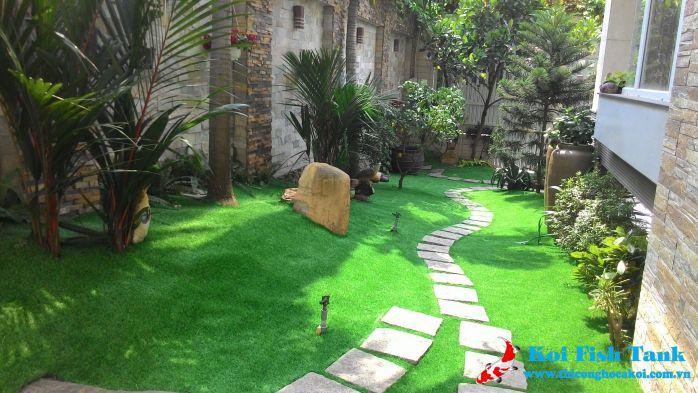 Một góc công trình sân vườn cỏ nhân tạo quận 7