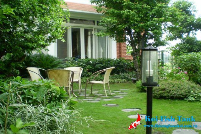 Cây xanh ngập tràn trong sân vườn