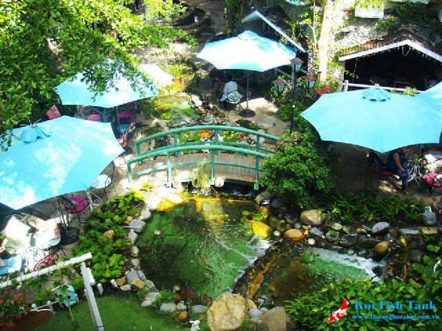 Chăm sóc sân vườn quán cà phê